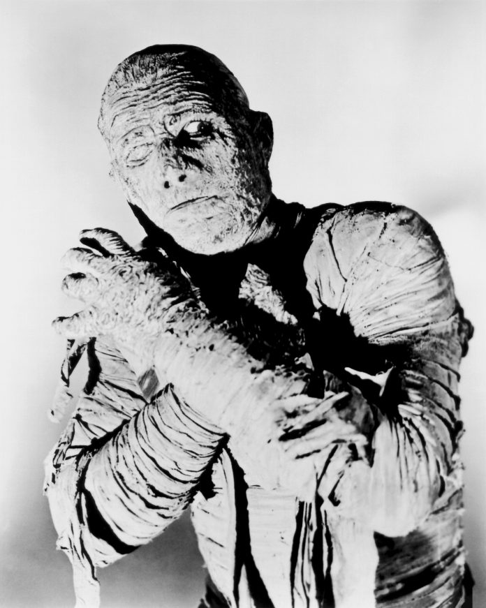 Lon Chaney in The Mummy