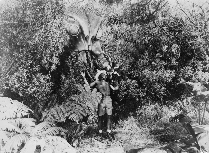 Giant wasp in Monster from Green Hell horror movie